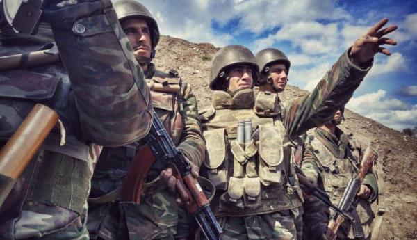 Azərbaycan ordusunun əsgərləri döyüş bölgəsində
