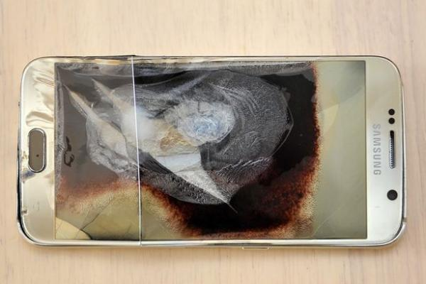 Partlamış Galaxy S6