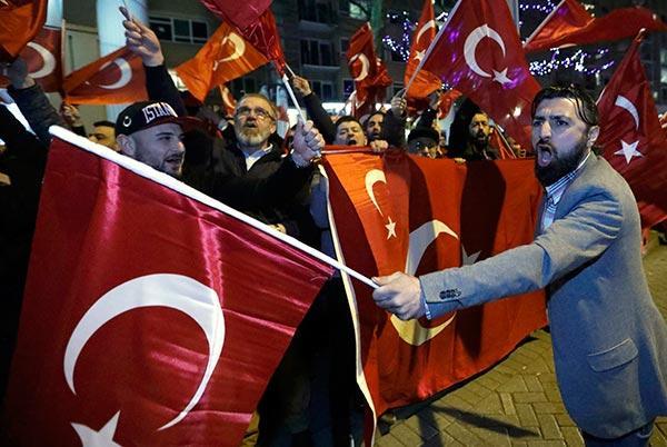 Image result for hollandiya Türkiyə