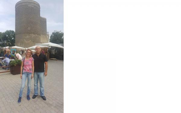 Erməni deputatlar Armen Aşotyan və Mane Tandilyan Bakıda Qız Qalasının qarşısında