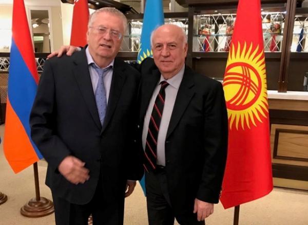 Valdimir Jirinovski və Artaşes Geqamyan