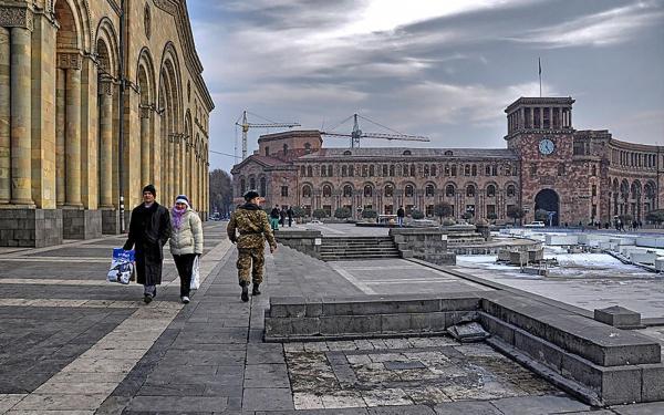 İrəvan və Moskva ile ilgili görsel sonucu